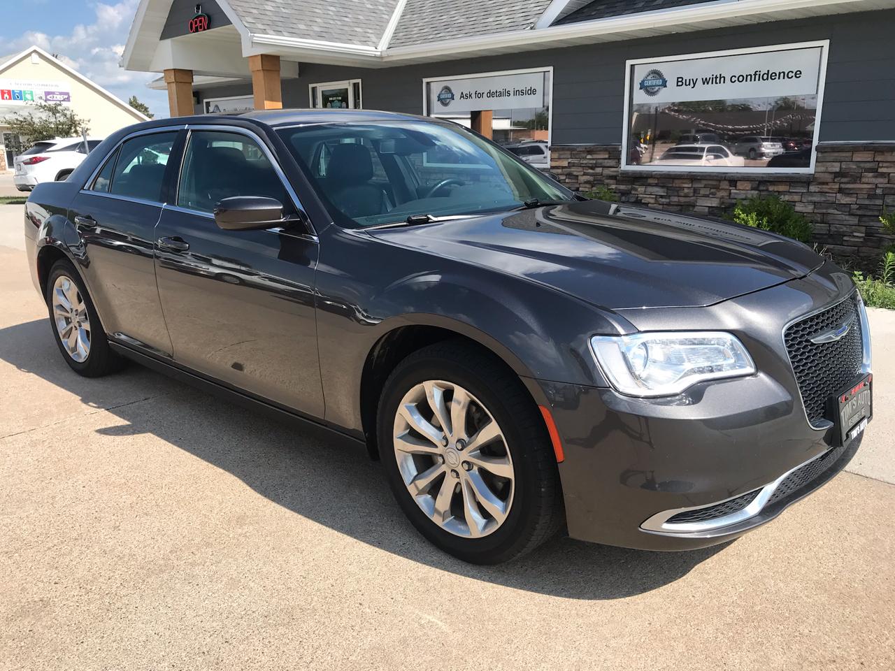 Chrysler 300 Limited AWD 2017