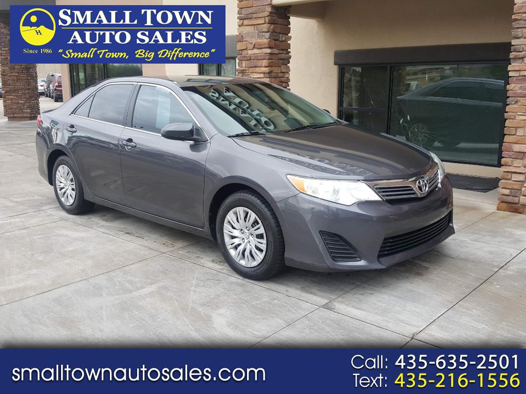 2012 Toyota Camry 2014.5 4dr Sdn I4 Auto L (Natl)