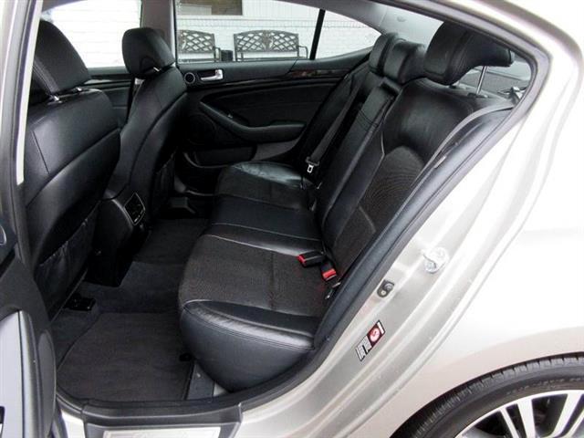 2014 Kia Cadenza Premium