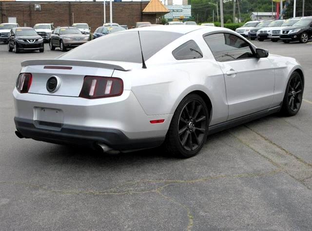 2012 Ford Mustang 2dr Fastback V6