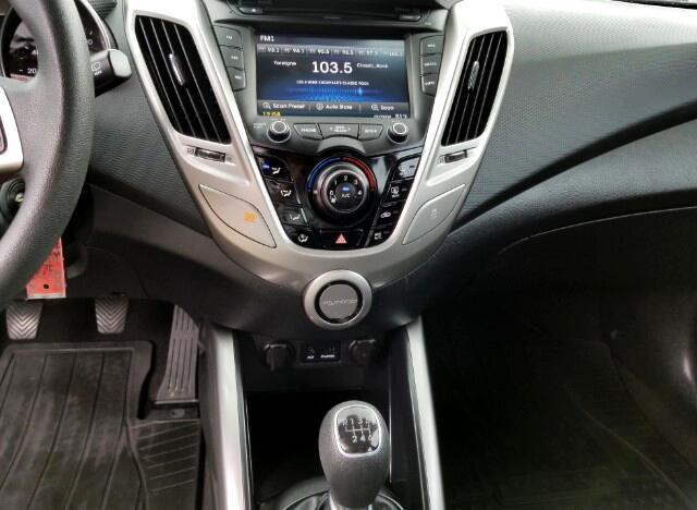 2015 Hyundai Veloster Base 6MT
