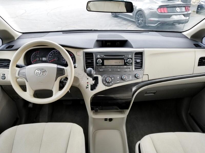 2011 Toyota Sienna Base V6