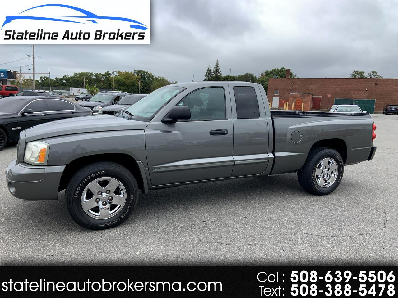 2006 Dodge Dakota 2dr Club Cab 131 4WD Laramie