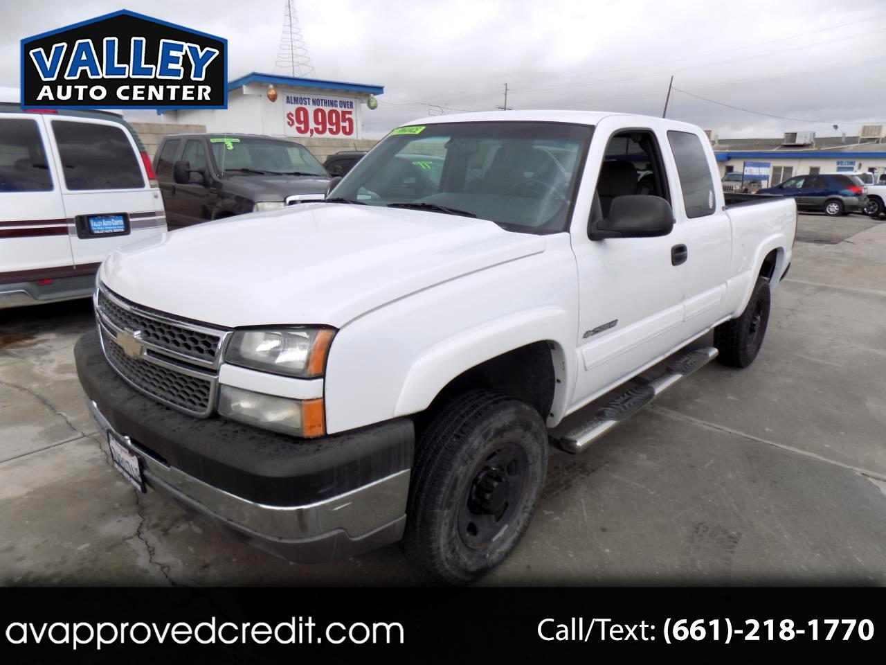 2005 Chevrolet Silverado 2500HD Work Truck Ext. Cab Long Bed 2WD