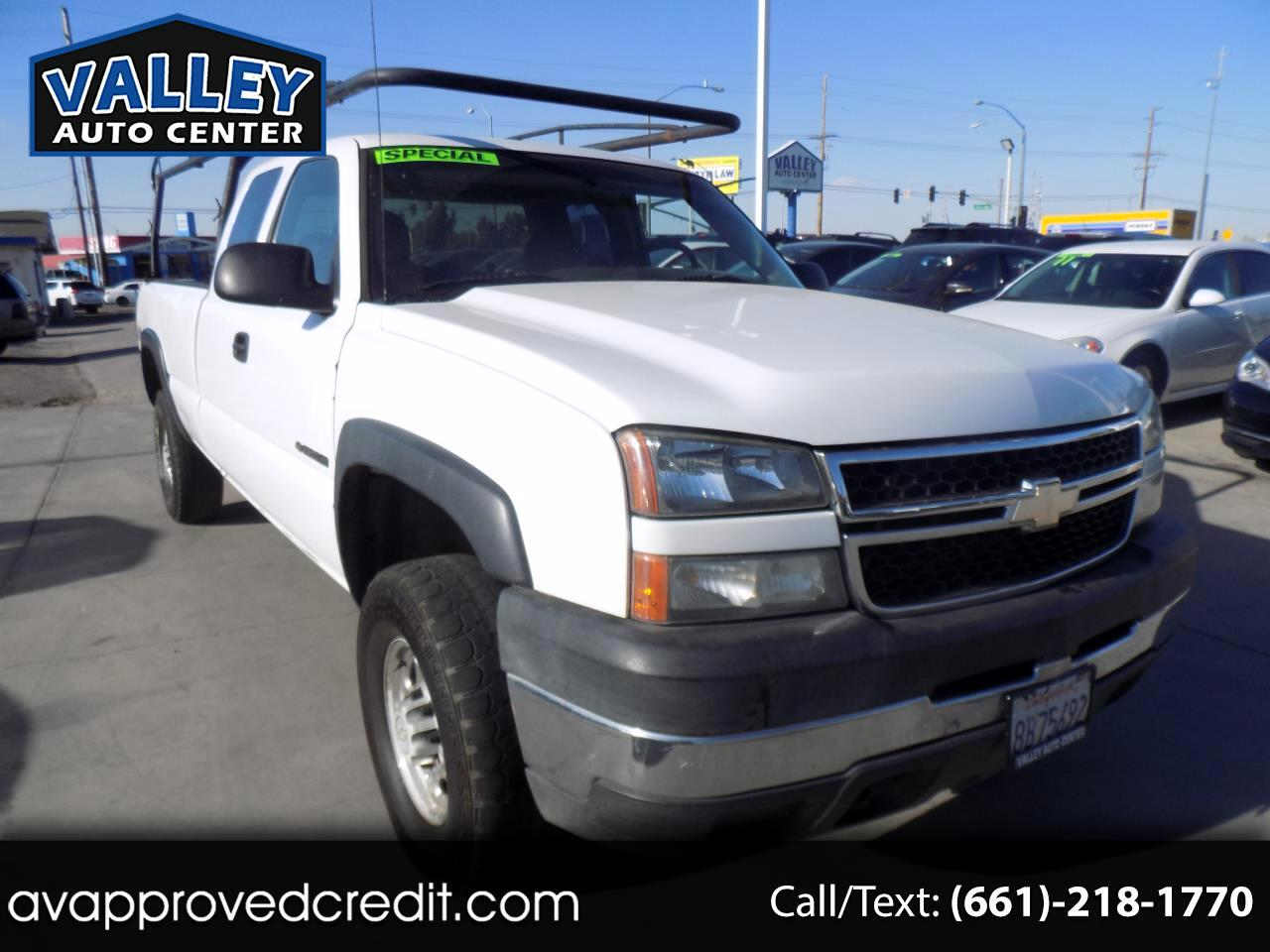 2006 Chevrolet Silverado 2500HD Work Truck Ext. Cab 4WD