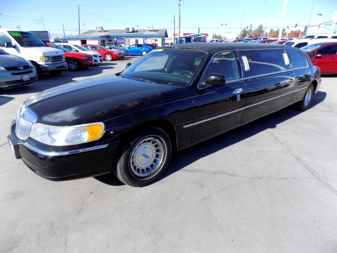 Lincoln Town Car Limousine 1999
