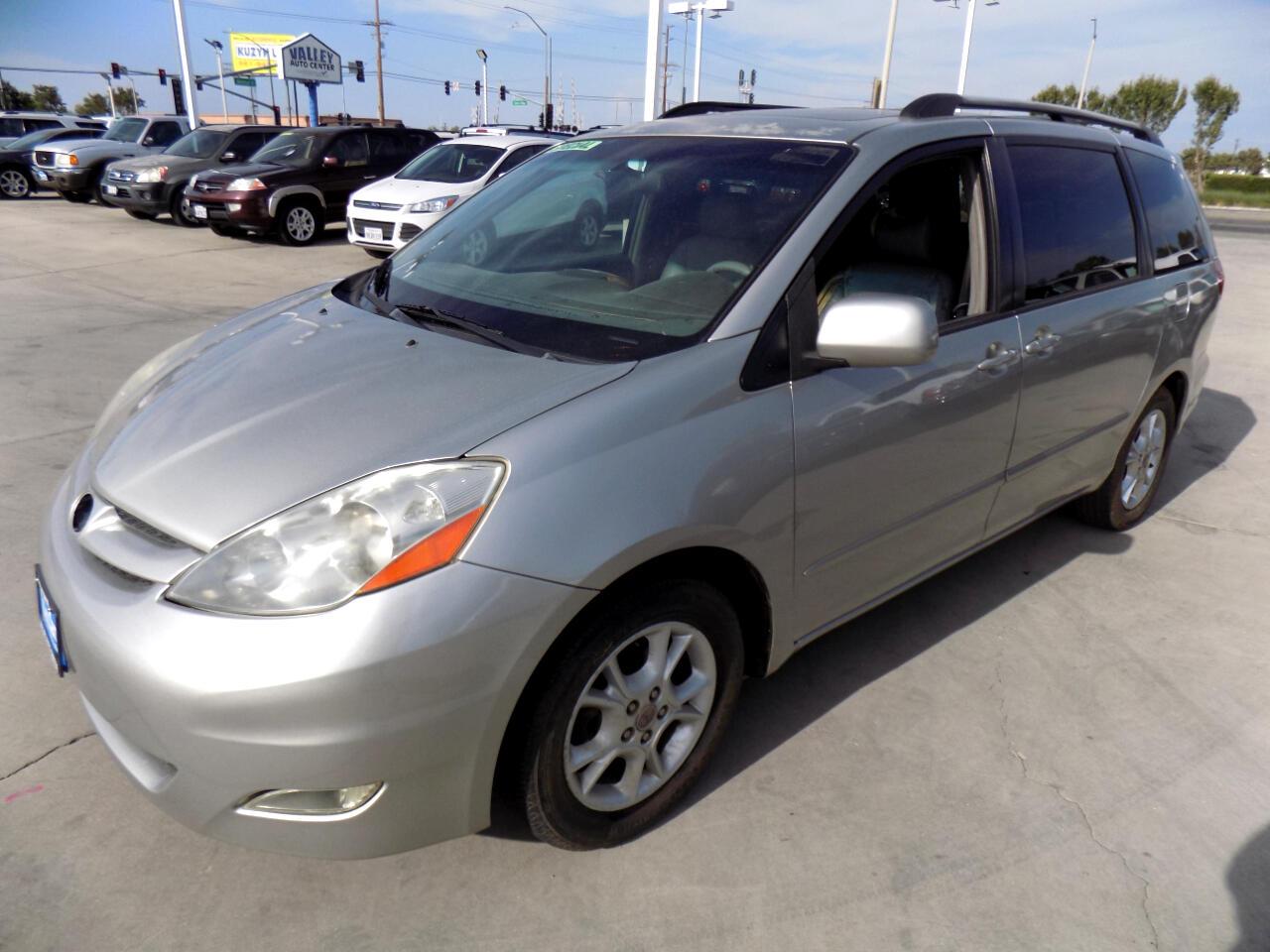 Toyota Sienna XLE 2006