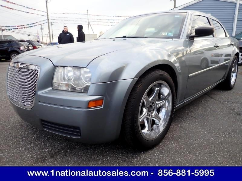 2007 Chrysler 300 4dr Sedan