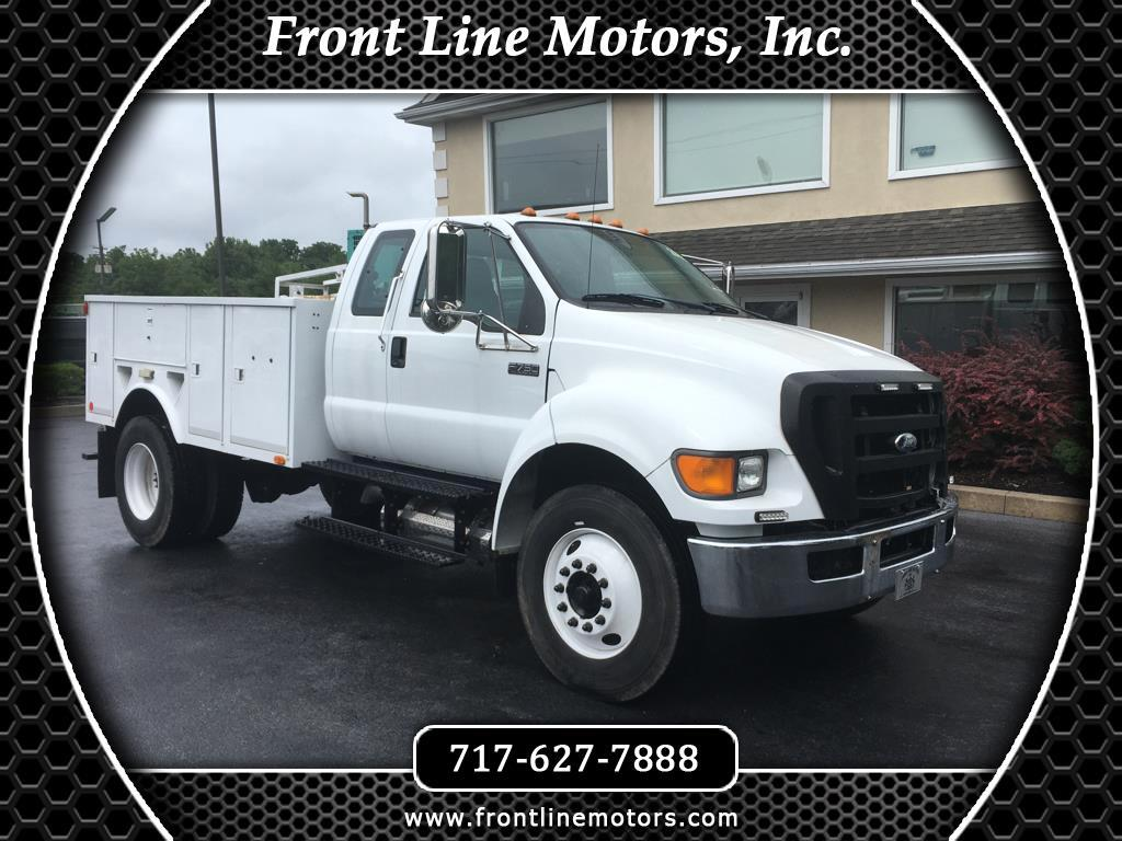2008 Ford Super Duty F-750 Straight Frame SuperCab XL