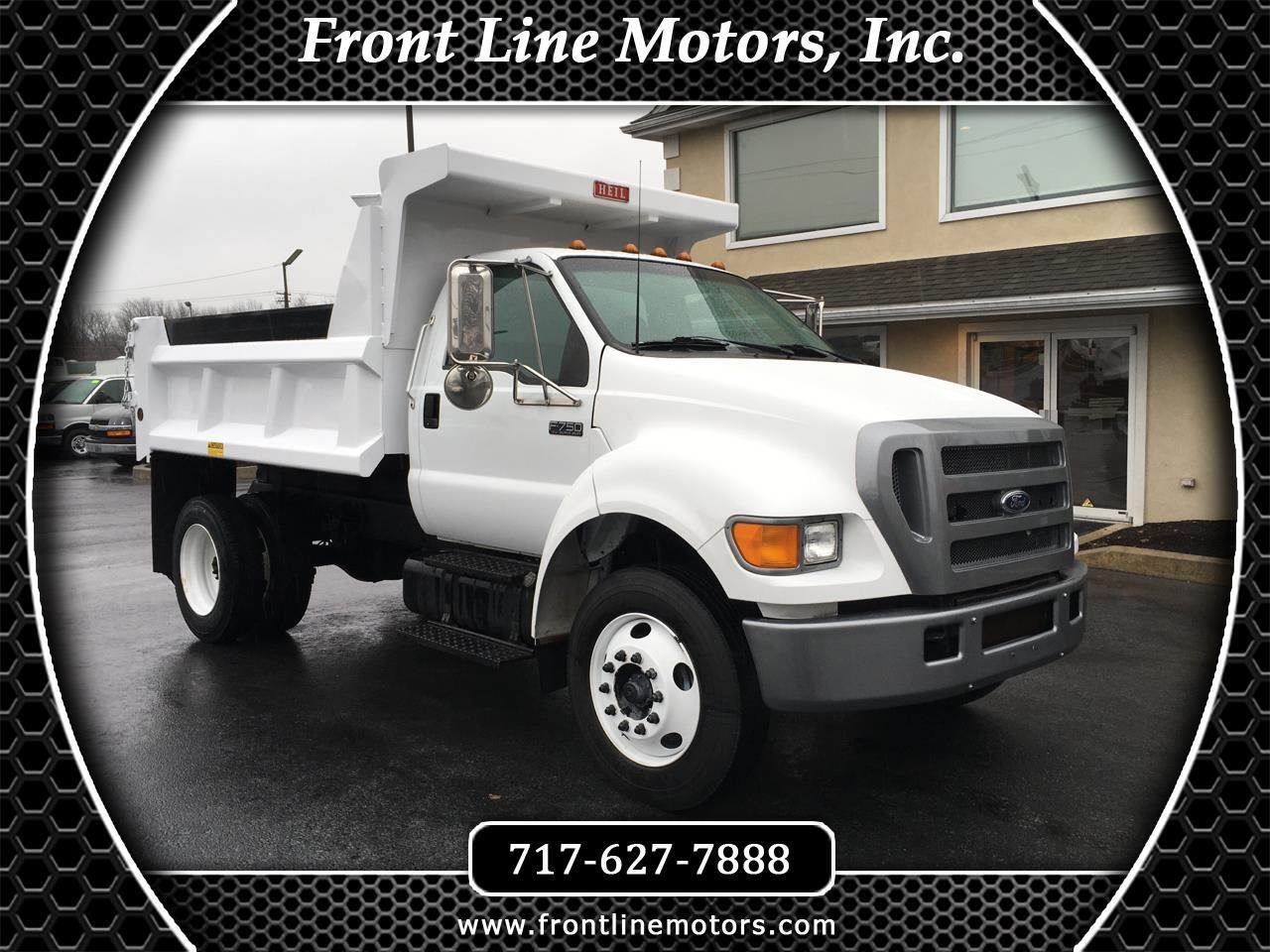 2005 Ford Super Duty F-750 Straight Frame Reg Cab XL