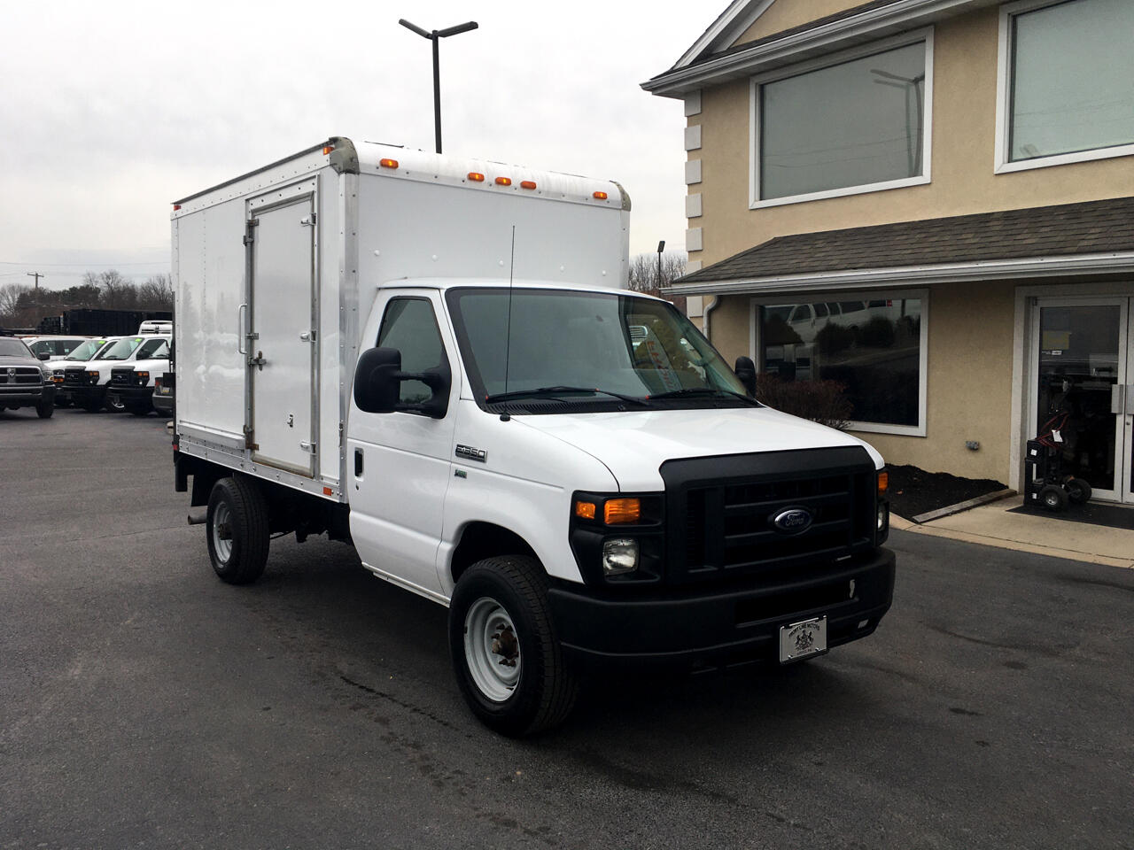 "Ford Econoline Commercial Cutaway E-350 Super Duty 138"" SRW 2013"