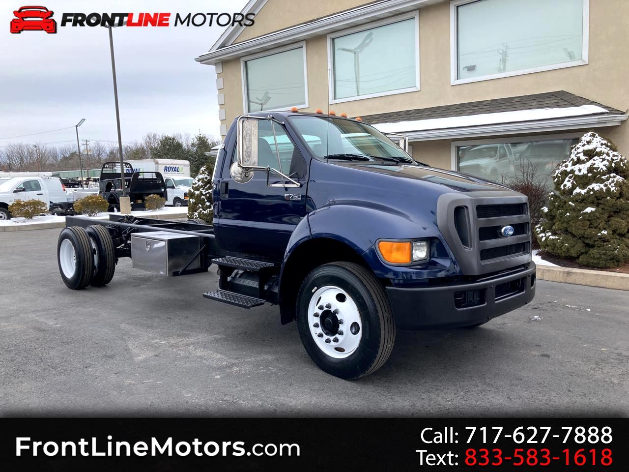 Ford Super Duty F-750 Straight Frame Reg Cab XL 2010