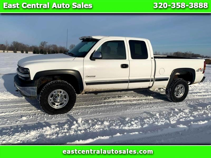 2000 Chevrolet Silverado 2500 LT Ext. Cab 3-Door Short Bed 4WD