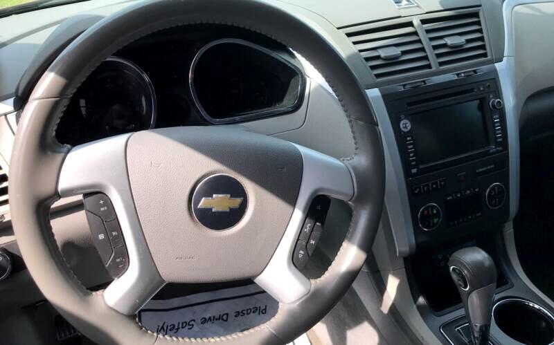 Chevrolet Traverse LT1 FWD 2010