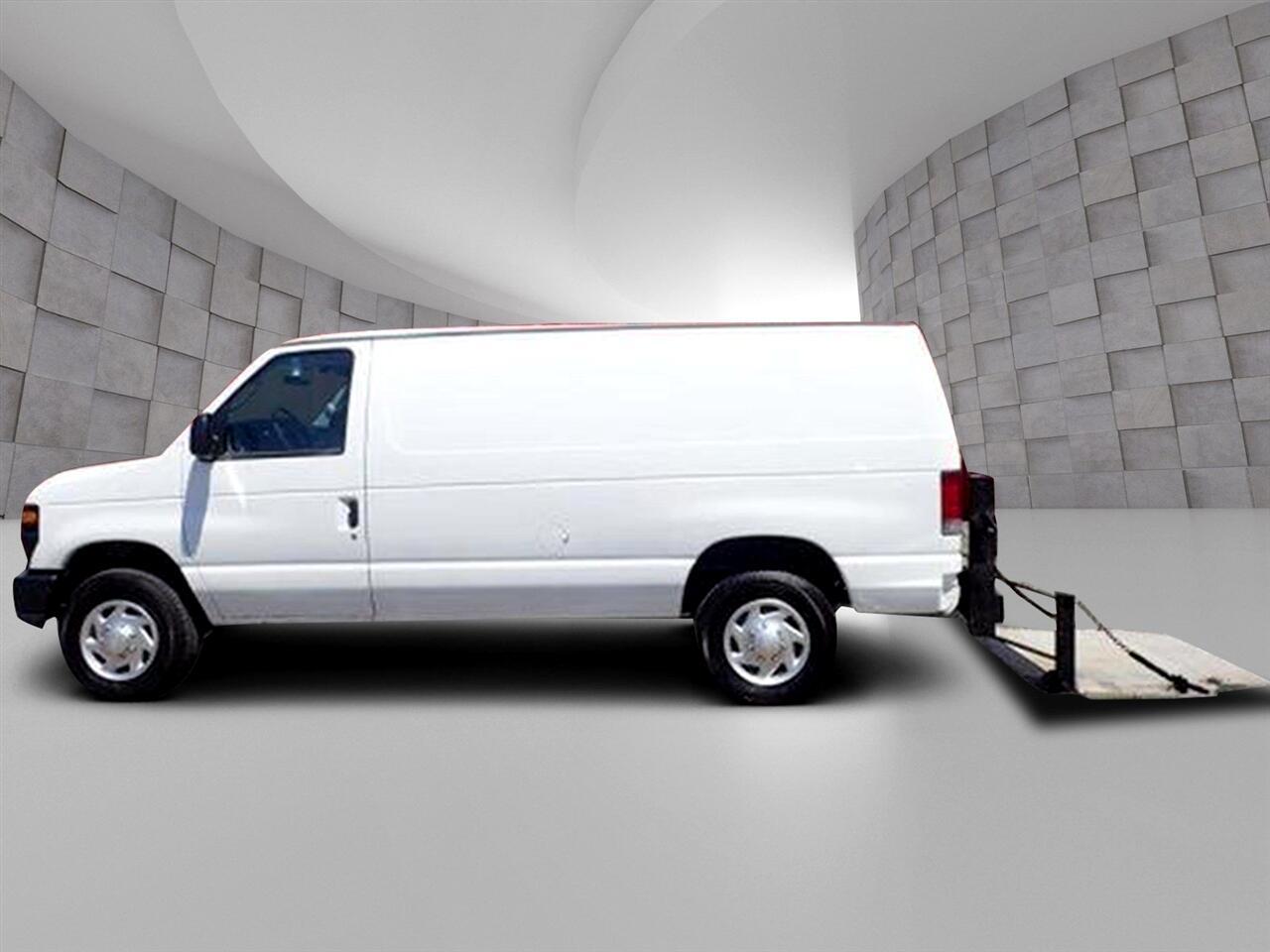 Ford Econoline Cargo Van  2010