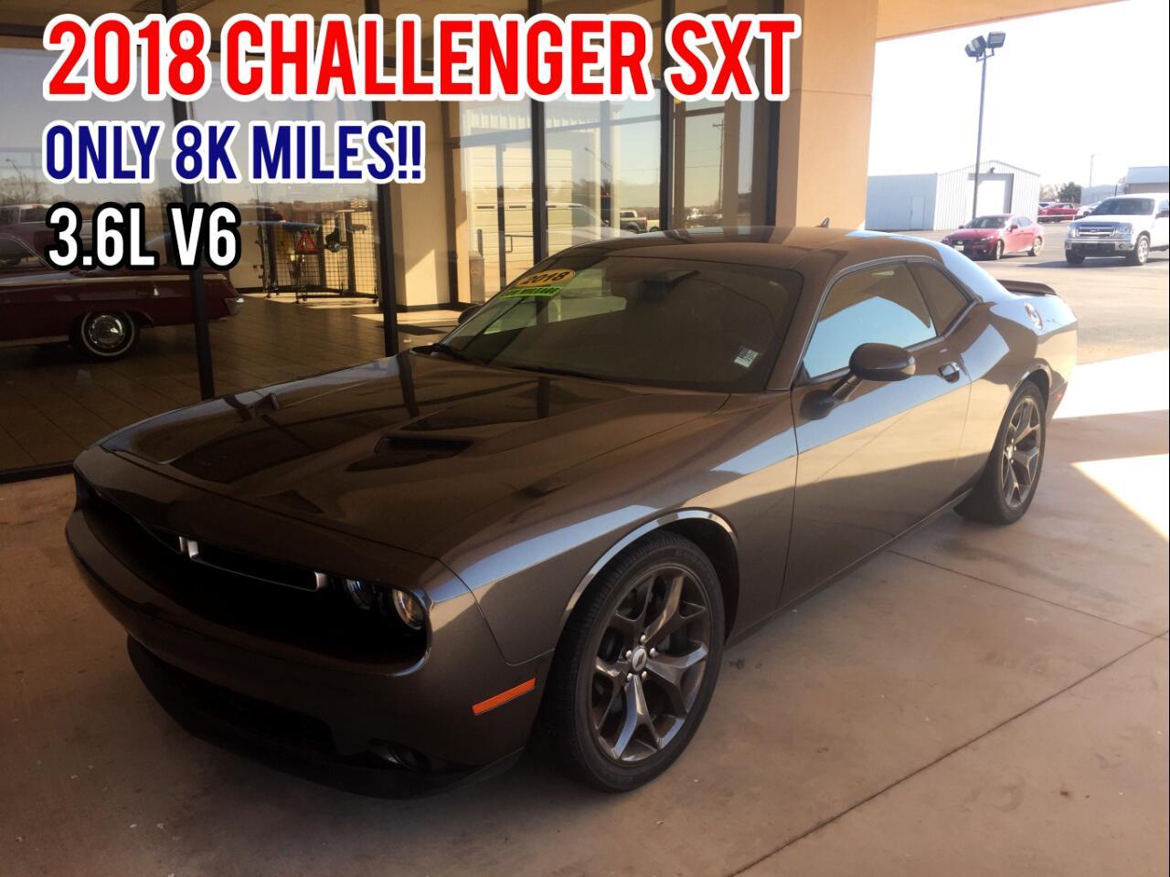 Dodge Challenger SXT RWD 2018
