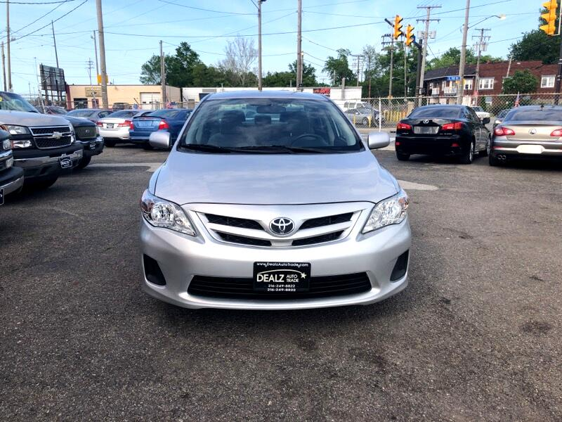 Toyota Corolla S 5-Speed MT 2013