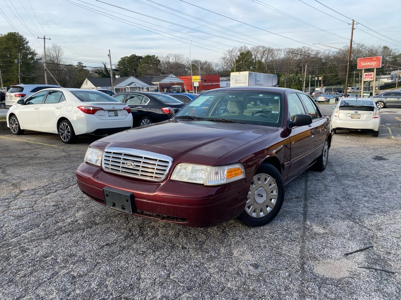 Ford Crown Victoria 4dr Sdn Standard 2005