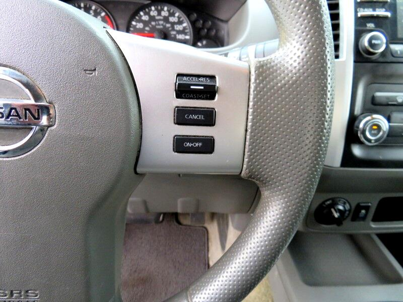 Nissan Frontier SL Crew Cab 4WD 2013