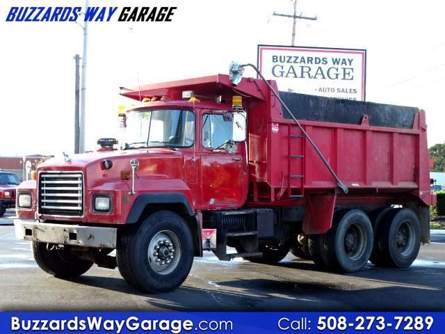 1993 Mack RD690S