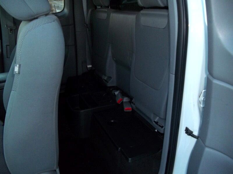 Toyota Tacoma PreRunner Access Cab I4 4AT 2WD 2014