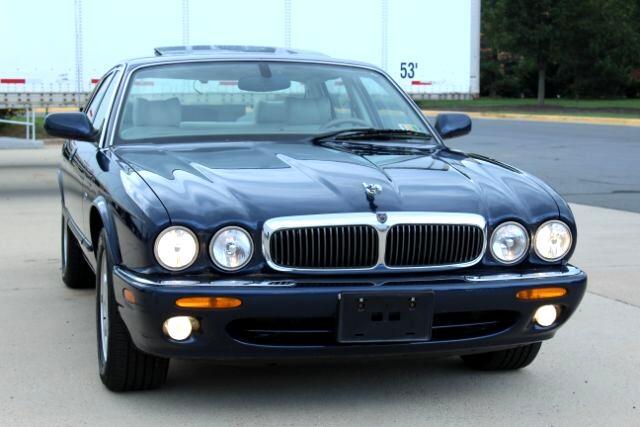 2000 Jaguar XJ 4dr Sdn