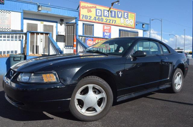 2002 Ford Mustang 2dr Cpe Deluxe