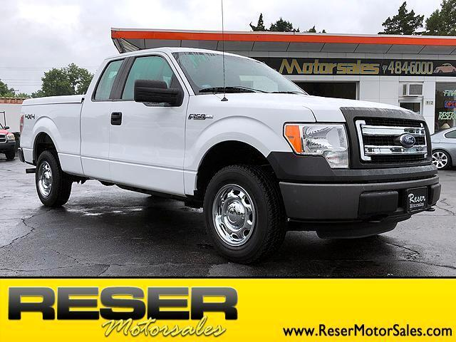 "2013 Ford F-150 4WD SuperCab 145"" XL"