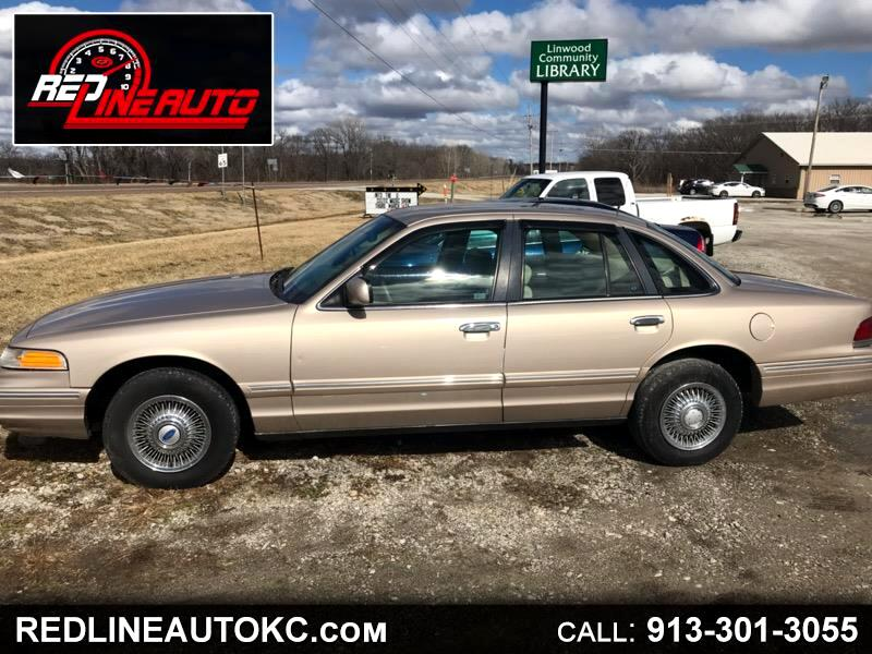 1997 Ford Crown Victoria 4dr Sdn LX