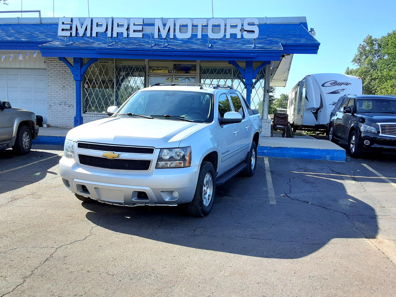 Chevrolet Avalanche LS 4WD 2012