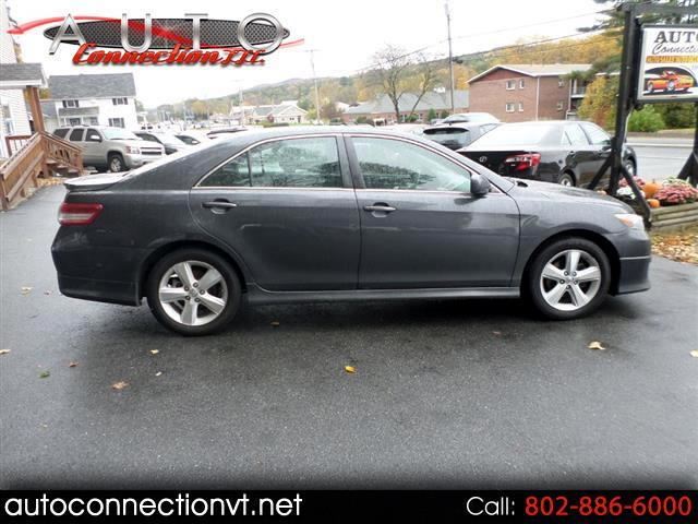 2011 Toyota Camry 4dr Sdn SE Auto (Natl)