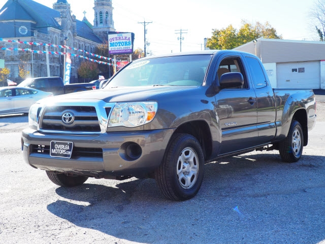 Toyota Tacoma 2WD Access I4 MT (Natl) 2009