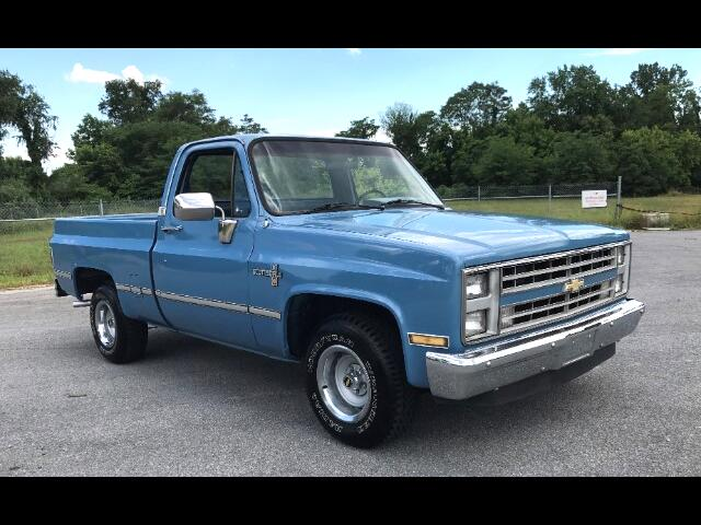 1986 Chevrolet Scottsdale Half ton Shoort Bed P/U