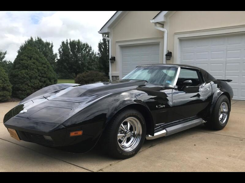 1974 Chevrolet Corvette 2dr Coupe