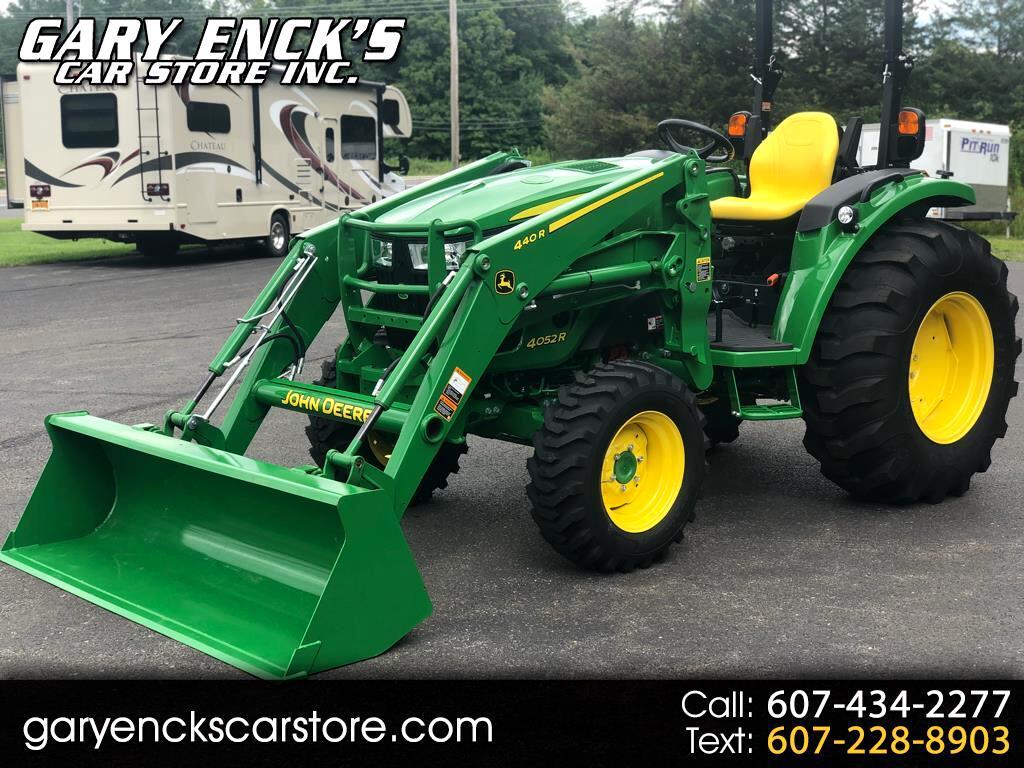 2017 John Deere Tractor 4052R