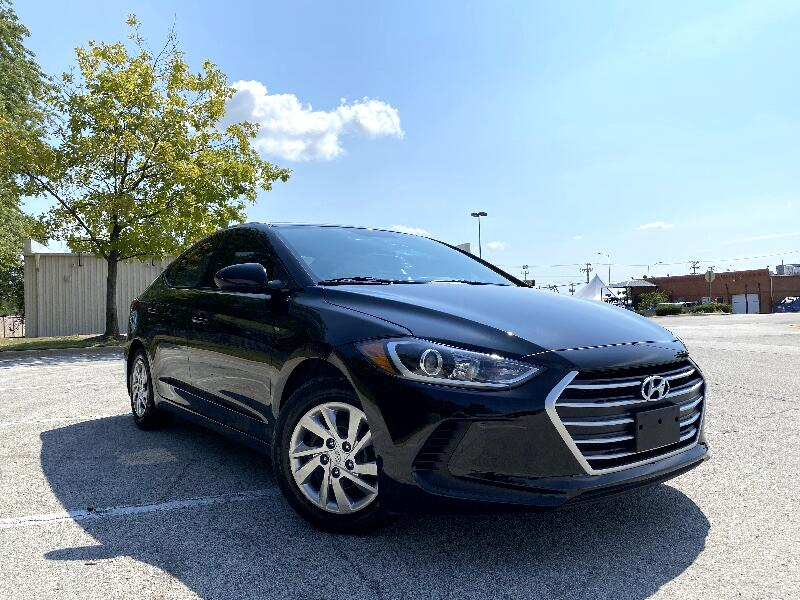 Hyundai Elantra SE 6AT 2018