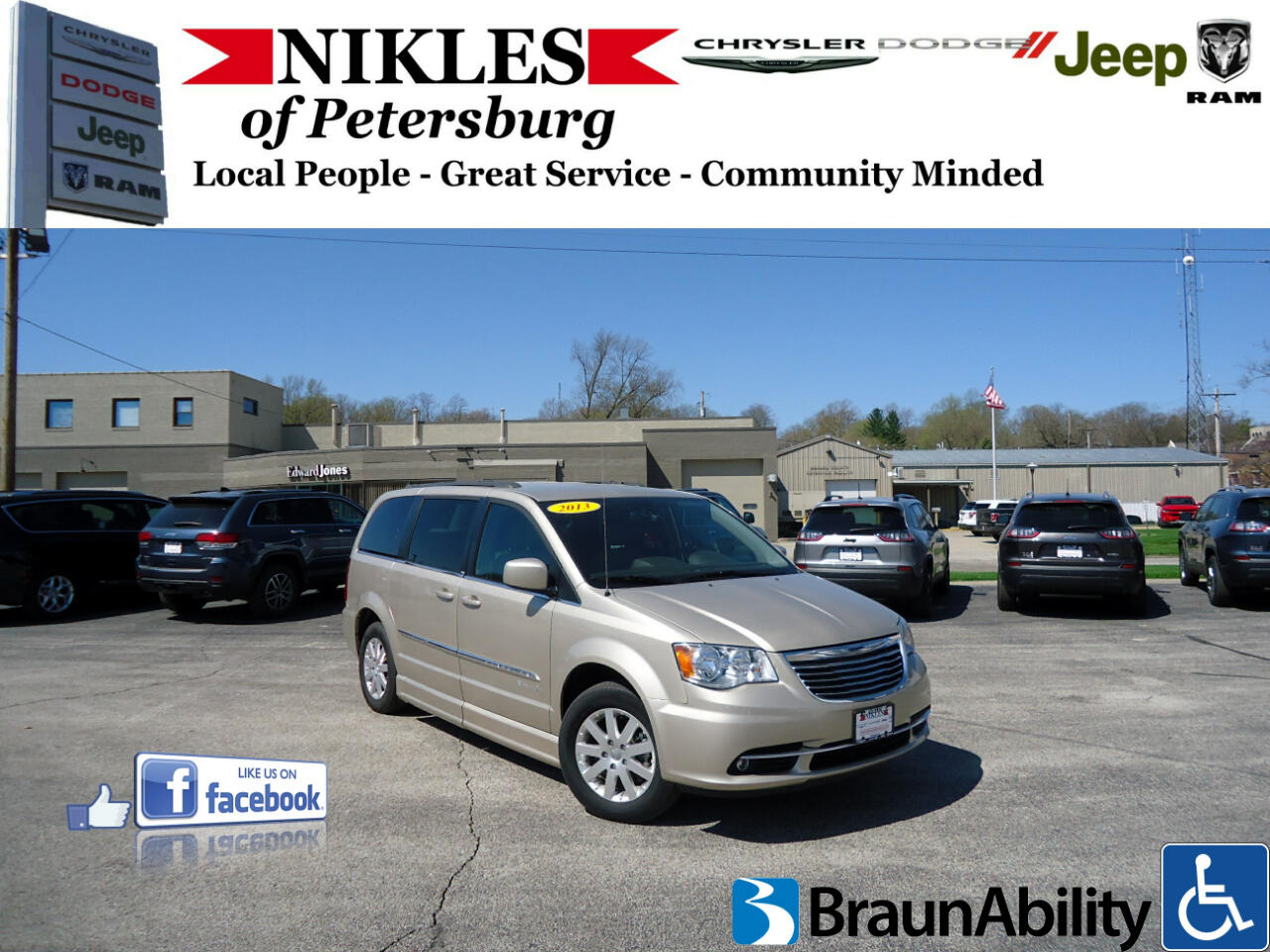 Chrysler Town & Country 4dr Touring FWD 2013