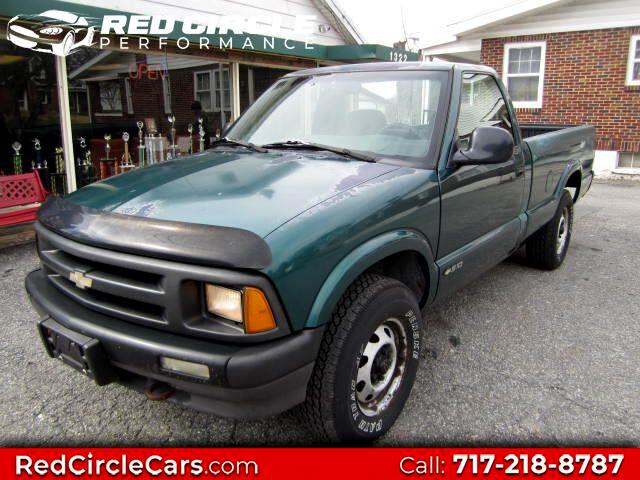 Chevrolet S10 Pickup Reg. Cab Short Bed 4WD 1997