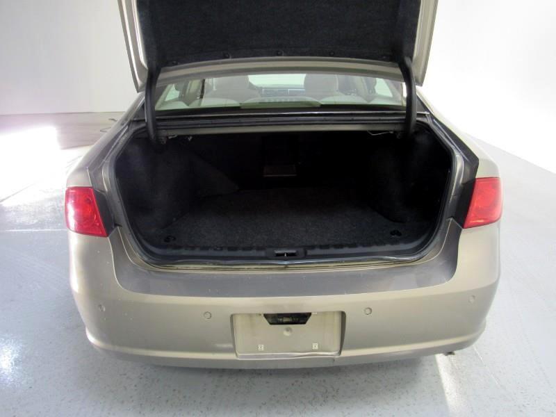 Buick Lucerne CX 2006