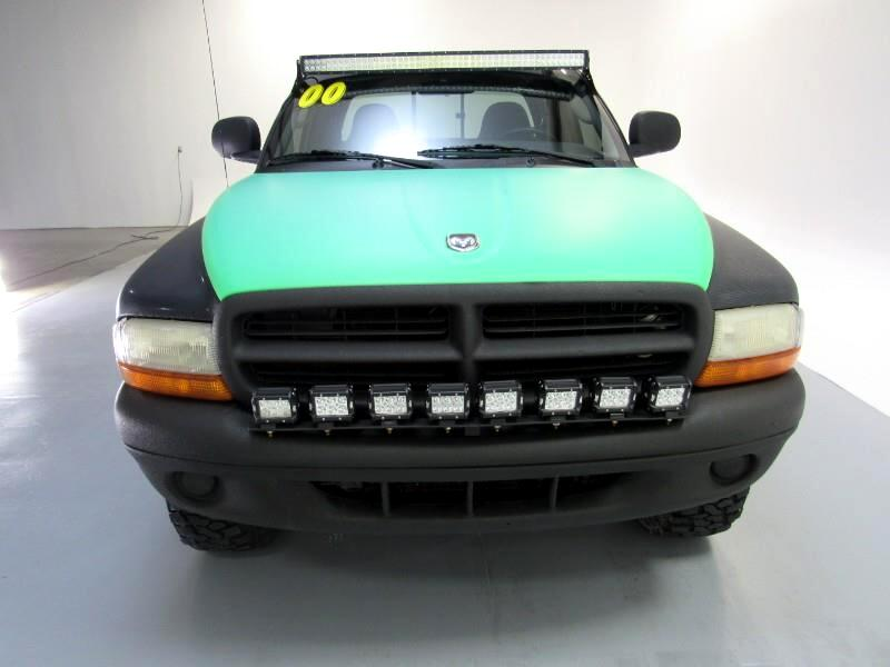 Dodge Dakota Club Cab 4WD 2000