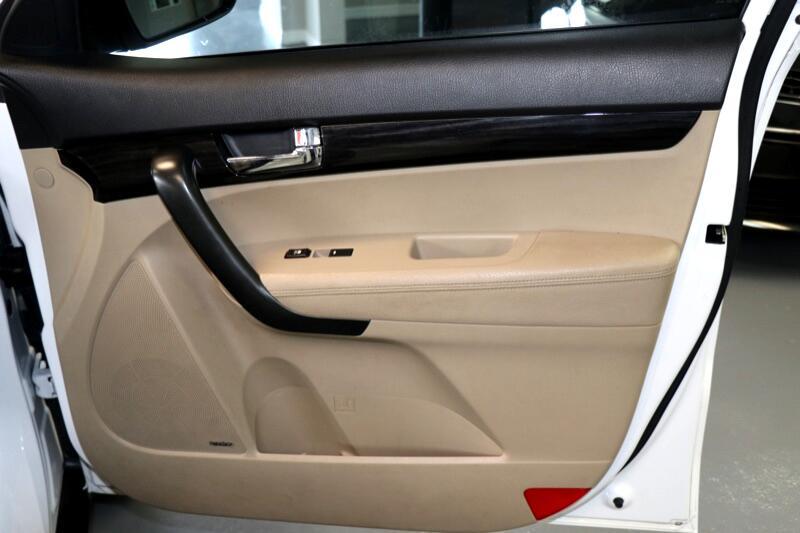 2011 Kia Sorento EX V6 2WD