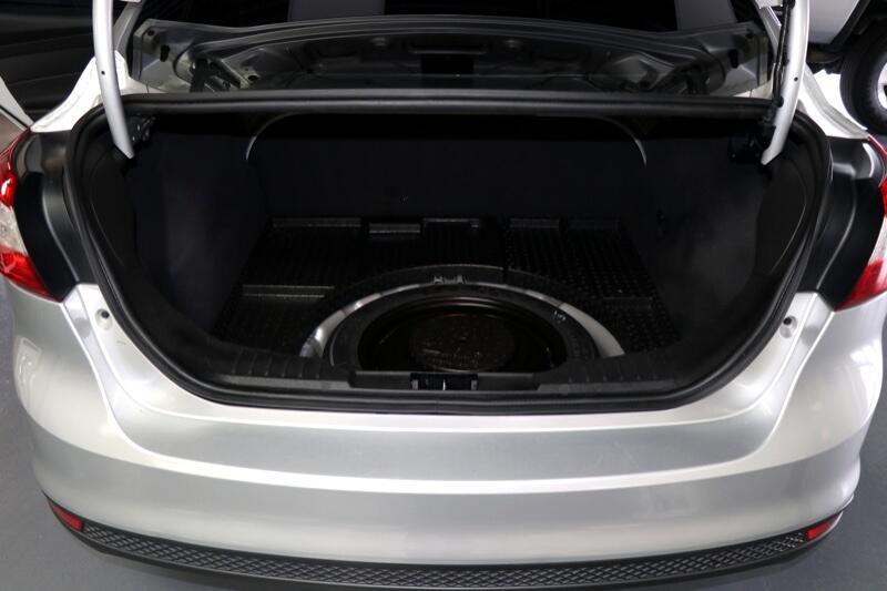 2012 Ford Focus SE Sedan