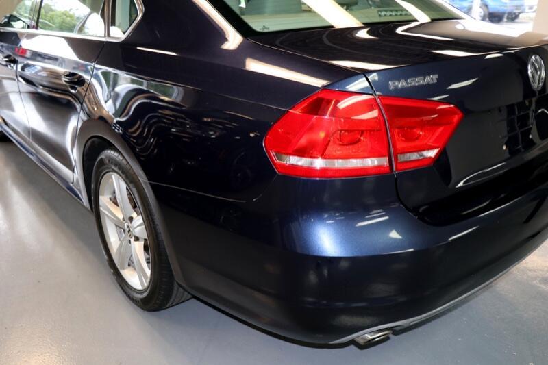2012 Volkswagen Passat 2.5L SE w/Sunroof