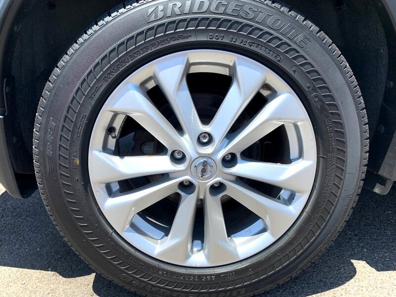2016 Nissan Rogue SV 2WD