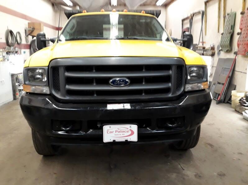2003 Ford F-550 Regular Cab 2WD DRW