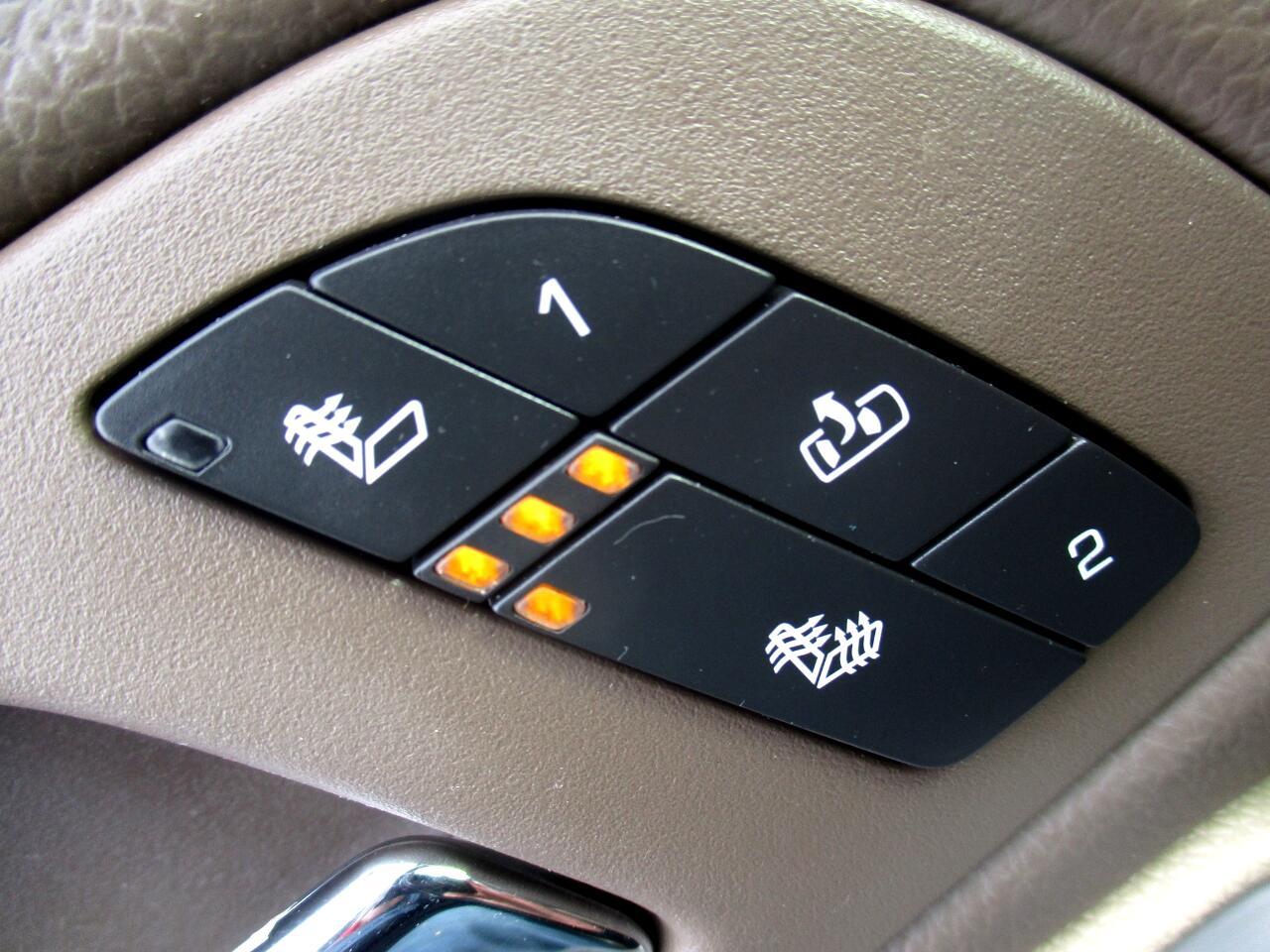 2011 Chevrolet Avalanche 4WD Crew Cab LT