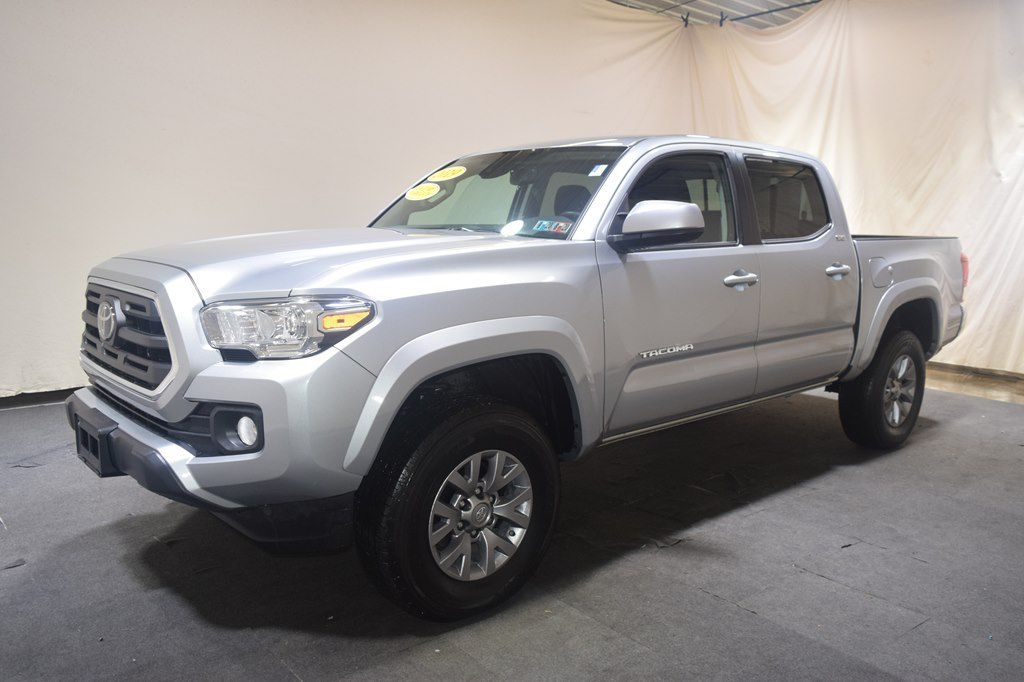 Toyota Tacoma SR5 Double Cab 5' Bed V6 4x4 AT (Natl) 2019
