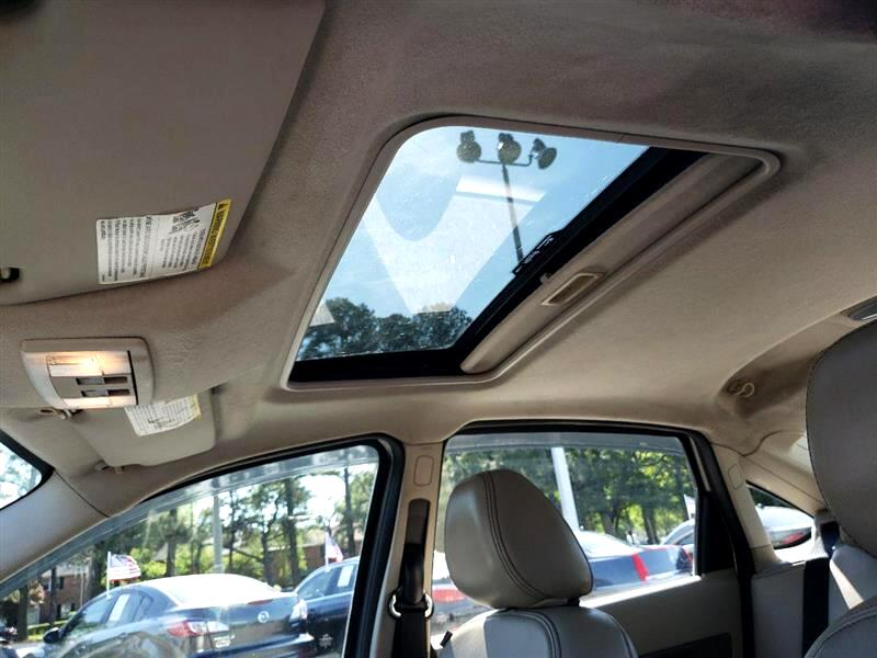 Ford Focus SEL Sedan 2010