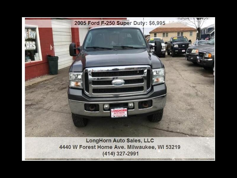 2005 Ford F-250 SD XLT Crew Cab Short Bed 4WD