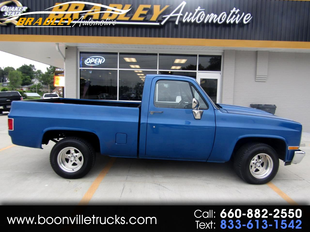 """Chevrolet 1/2 Ton Pickups R10/15 Fleetside 117.5"""" WB 1987"""